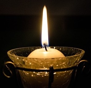 candle-896784_640